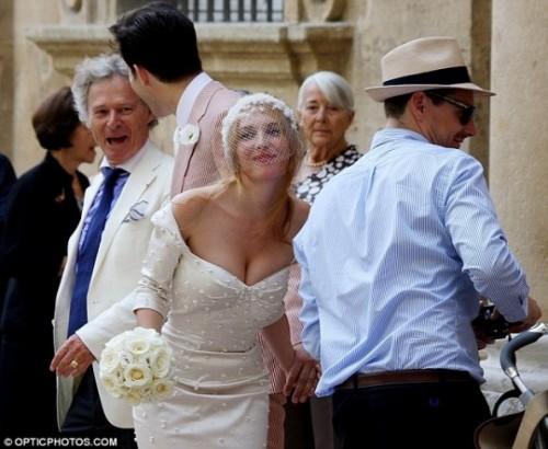 WeddingJosephinedelaBaumeZacPosen-540x443.jpg