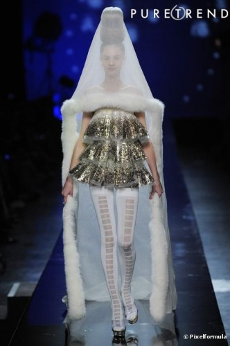 232017-robe-de-mariee-defile-haute-couture-637x0-2 gaultier.jpg