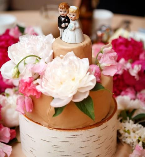 C1EFC37459BD2DB26B1EDEDF35994 wedding cake.jpg