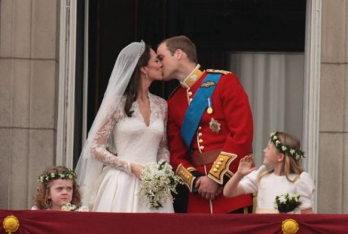 kate-middleton-mariage-remake-cendrillon-image-470091-article-ajust_614.jpg